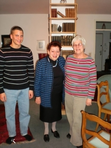 Inge Deutschkron, 88, at her home with Ariela and her assistant Sven Dehn