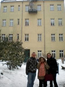 בניין אחורי (Hinterhaus), רחוב פיסטוריוס 141, מקום מגוריהם של הזילברברגים, עם החברה אוולין ונכדיה קטיה ומטיאס